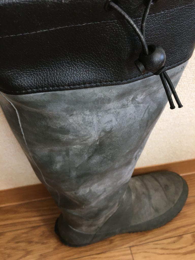 野鳥の会長靴白い粉ふく