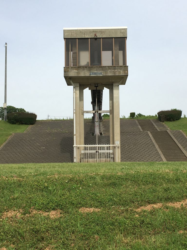 芝川からの取水管理棟