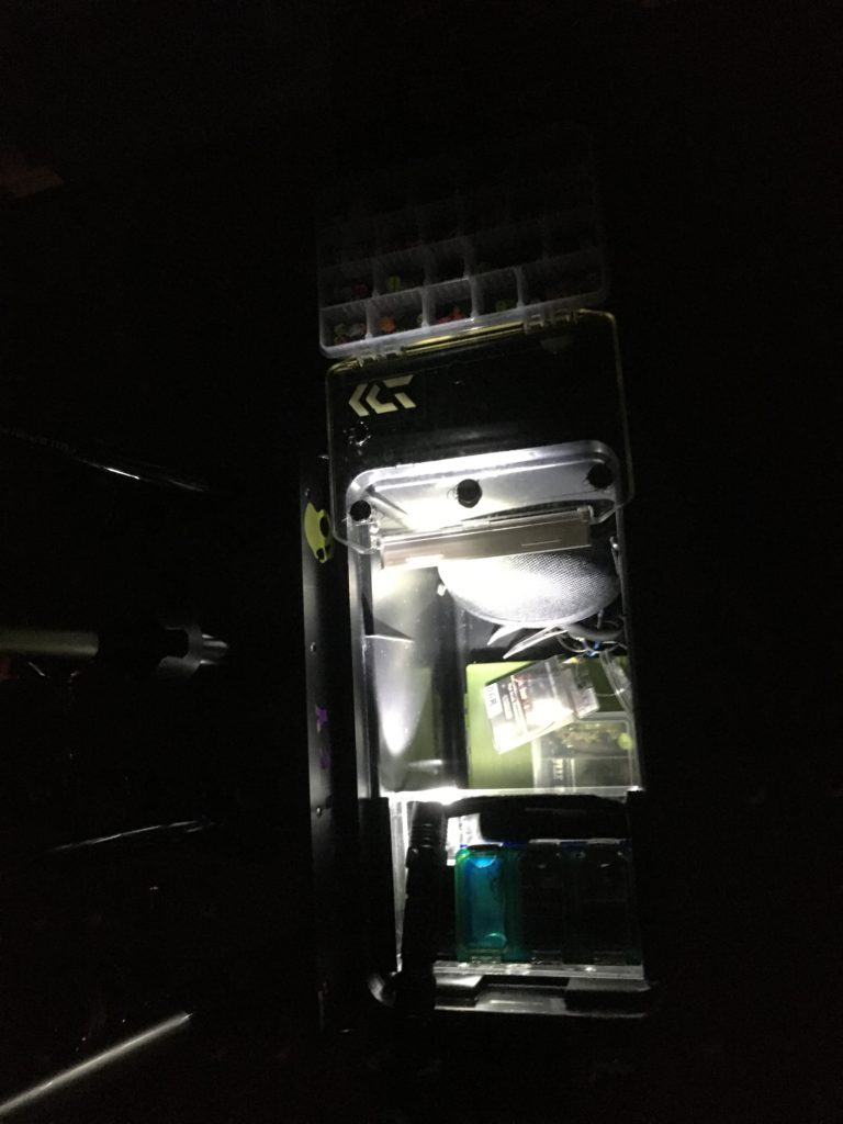ダイソー セリア キャンドゥー 100均 ヘッドライト 管釣り 朝まずめ 夕まずめ 朝霞ガーデン プールフィッシング コスパ